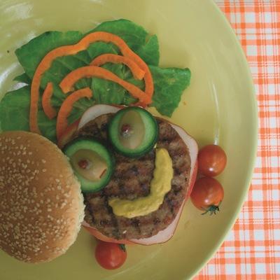 Συνταγή Χάμπουργκερ με Μπιφτέκι και Λαχανικά
