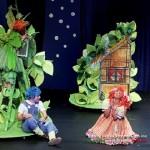 Η παράσταση Χένσελ & Γκρέτελ της Κάρμεν Ρουγγέρη περιοδεύει σε ολη την Ελλάδα